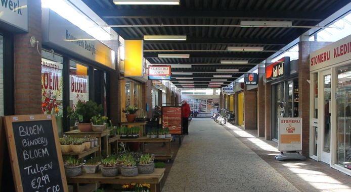 De passage in het winkelcentrum.