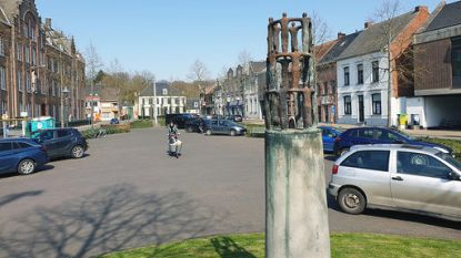 Werken op Markt zorgen voor tweerichtingsverkeer aan zijde van het klooster