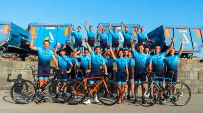 Leden van het Amacro Cycling Team rijden dit seizoen in nieuwe outfit rond