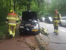 Auto plots in brand op Scheidingsweg in Nijmegen