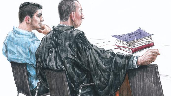 Tarik Z. met zijn advocaat Ton Visser tijdens zijn eerdere proces