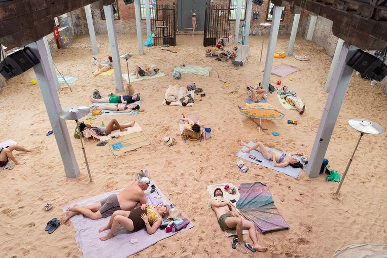 Sun and Sea (Marina): de performance van Litouwen op de 58ste Biënnale van Venetië. Beeld Andrej Vasilenko