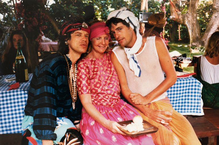 Anne Glenconner met Mick Jagger en Rupert Everett op Mustique. Beeld