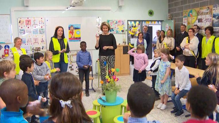 Koningin Mathilde heeft ter gelegenheid van de Week tegen Pesten, de Sint-Jozef Coloma basisschool in Mechelen bezocht.