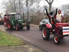 Sint sympathiseert met boeren en komt met de tractor naar Oudleusen