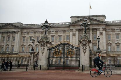 Politie arresteert man voor Buckingham Palace