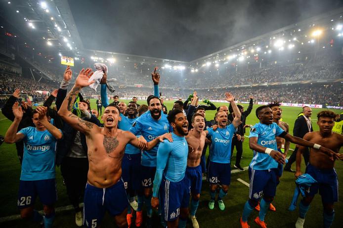 Spelers van Olympique Marseille vieren feest nadat de finale van de Europa League is bereikt. In de halve finale ontsnapte de ploeg in de verlenging tegen RB Salzburg (2-1 verlies, na 2-0 winst thuis).