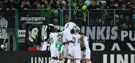 Gladbach wint topper van Bayern door penalty in blessuretijd