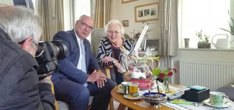 Hoe Marietje 100 jaar is geworden? Fietsen, spelletjes doen en verder gewoon blijven ademen