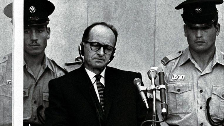 In 1960 werd SS-kopstuk Adolf Eichmann gevangen genomen in Argentinië. Hij werd later in Jeruzalem berecht en ter dood veroordeeld.