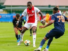 Ajax baalt van race tegen de klok: 'Krankzinnig, belachelijk'