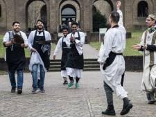Een dansje na de Syrische maaltijd bij nieuwe expositie in Oriëntalis