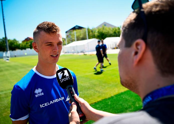 Albert Gudmundsson in het shirt van IJsland.