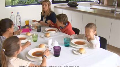 VIDEO: Nooit te jong om etiquette te leren