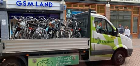 Apeldoorn treedt meteen op: eerste los gestalde fietsen in binnenstad weg