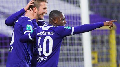 Anderlecht vernedert zwak Essevee met 7-0 en blijft in de running voor play-off I