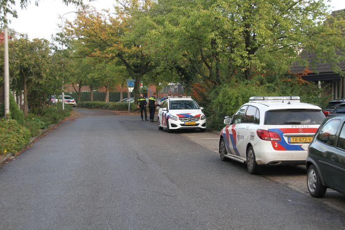 Politie in de buurt waar het gebeurde.