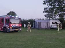 Caravan brandt uit op camping 't Haasje in Olst
