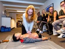 Aantal AED's stijgt, maar in Rotterdam zijn er nog meer apparaten nodig