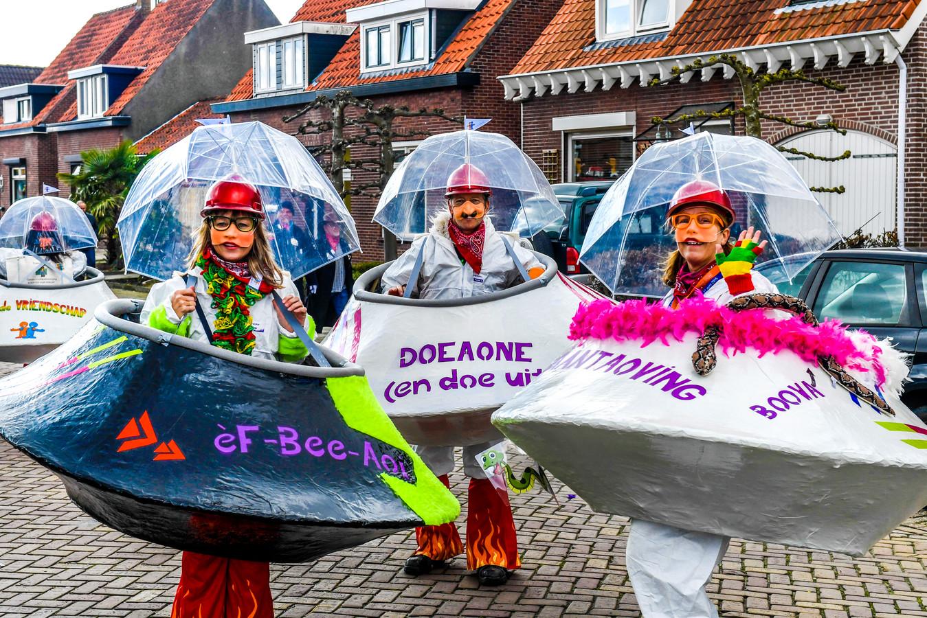 In Steenbergen hopen ze dinsdag geen paraplu's nodig te hebben. Ze introduceren wel een stormklasse voor gedupeerde grote wagens die nog amper een optocht hebben kunnen rijden.