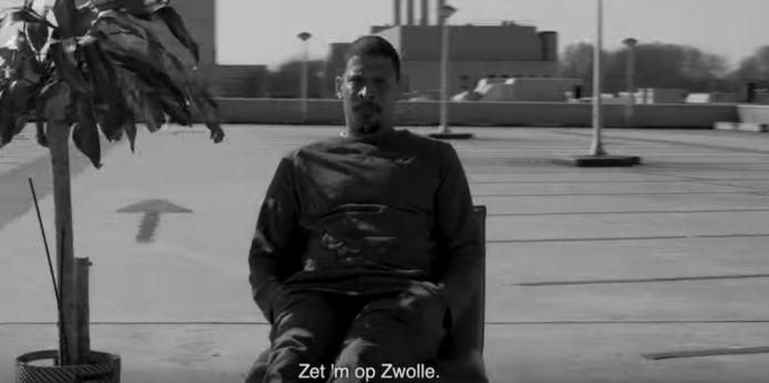 Rapper Rico steekt zijn mede-Zwollenaren een hart onder de riem.