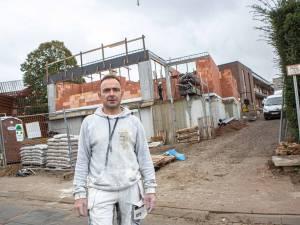 """Vader van Remco Evenepoel slachtoffer van grote werfdiefstal: """"Een deel van hun buit lag nog buiten, hun bestelwagen zal vol zijn geweest..."""""""