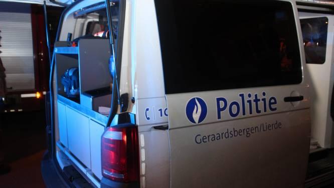 Politie legt lockdownfeestje stil: jongeren gedragen zich vijandig tegenover agenten