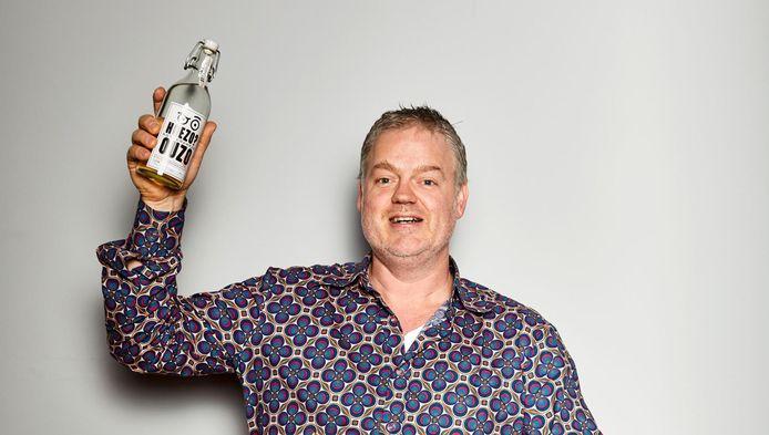 Stefan van Hees uit Schiedam maakt zelf ouzo. Voor de toekomst heeft hij plannen om nog meer drankjes op de markt te brengen.