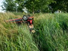 Auto slaat over de kop in Groessen, bestuurder meegenomen voor ademanalyse
