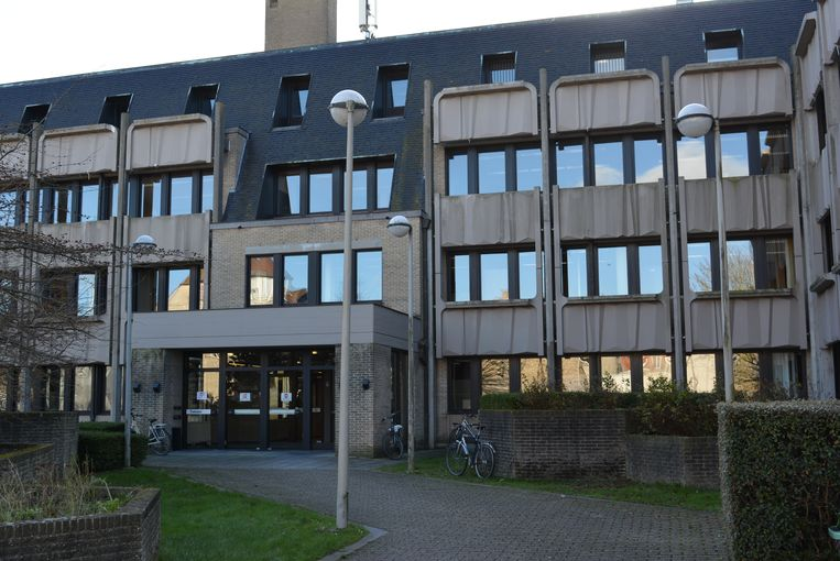 De zaak werd behandeld in de politierechtbank van Veurne.