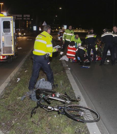 Fietsster (63) zwaargewond na aanrijding in Vlaardingen