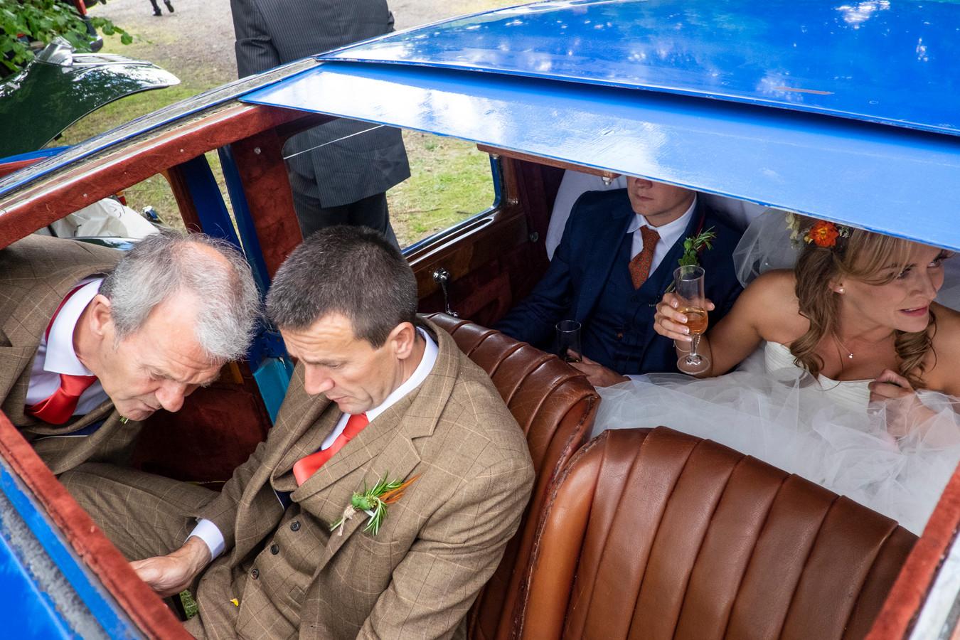 'I Am not a Wedding Photographer'.
