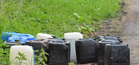 Gedumpt drugsafval moet opgeruimd worden door bewoners kamp Broekweg Waalre