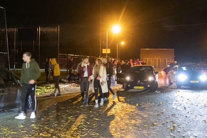 De politie heeft vannacht een einde gemaakt aan een illegaal feest in Hilversum.