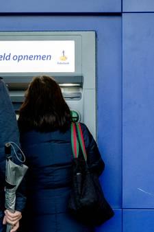 Strijd tegen plofkrakers: Rabobank-geldautomaat Andel verhuist naar Spar