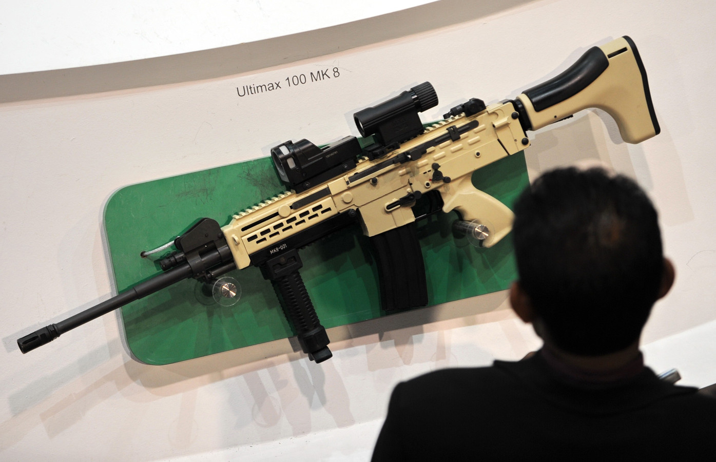 'Bindende regels over wapenhandel dichtbij' | Foto | AD.nl