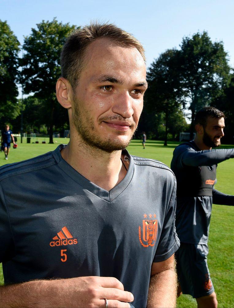 Makarenko werd gehaald als middenvelder.