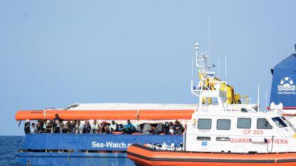 Ook Berlusconi roept op om migranten van Nederlands reddingsschip aan land te laten in Sicilië