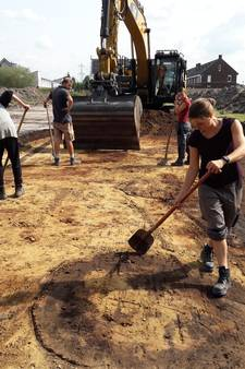 Archeologen leggen in Nistelrode  sporen van 45 huizen bloot