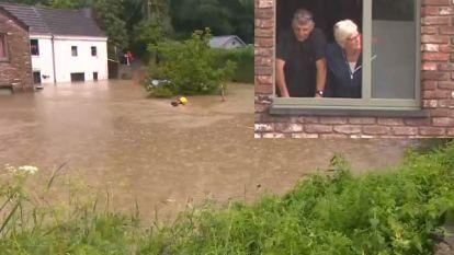 """""""We hadden geen tijd om schrik te hebben"""": bij dit Waals gezin staat het water twee meter hoog"""