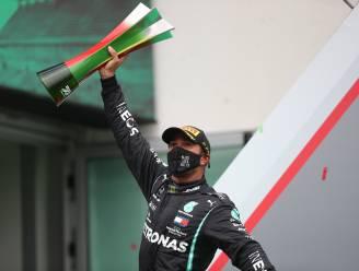 """Hamilton viert 92ste zege en legendarisch record: """"Ik had krampen, overkomt me anders nooit"""""""