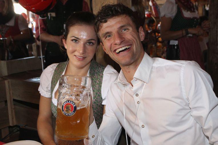 Thomas Müller en zijn vrouw Lisa.