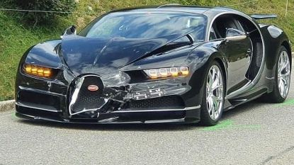 Bugatti, Porsche, Mercedes én camper betrokken bij extreem dure crash op bergpas