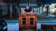Hasselaar maakt kunstwerkjes van oude stroomkasten in Genkse Molenstraat