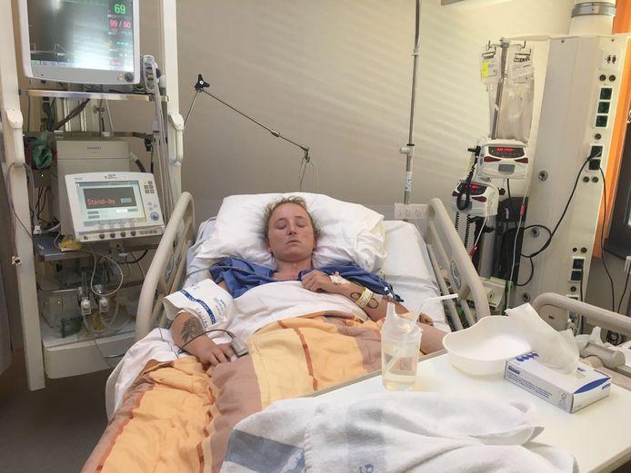 Kelly Beckers lag vorig jaar november in zeer slechte conditie in het ziekenhuis.