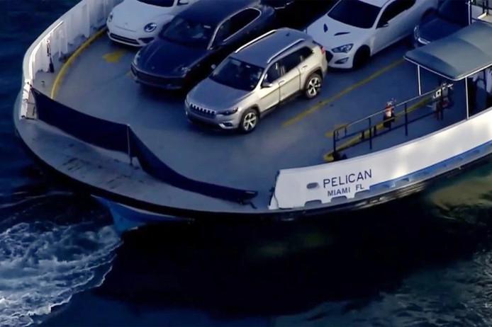 Une voiture est tombée d'un ferry à Miami causant la mort de 2 femmes.