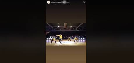 Supertof: Chris Brown deelt optreden van dansers in Leiden met miljoenen volgers