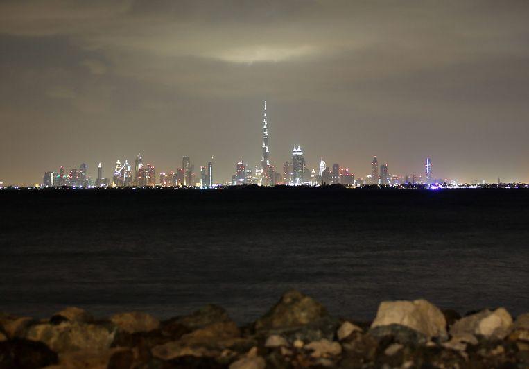 Uitzicht over Dubai, met in het midden de langste wolkenkrabber ter wereld: de Burj Khalifa. Beeld anp