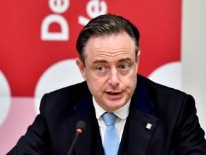 """Bart De Wever: """"Paul Magnette a le goût de sa bouillie arc-en-ciel bien en bouche"""""""
