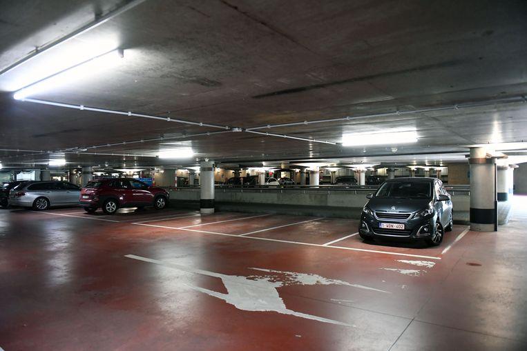 Parking De Bond